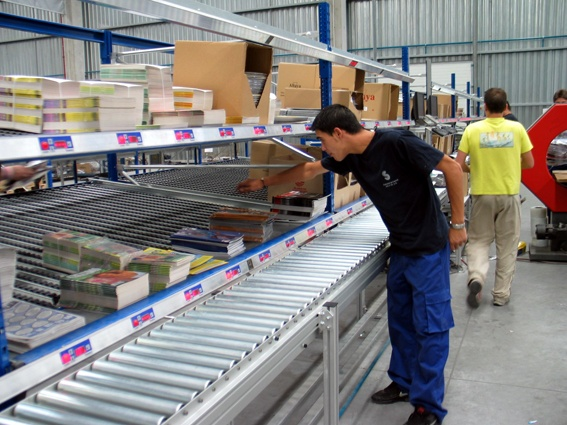 Radio Frequency Identification in Apparel Supplier Distribution Centers